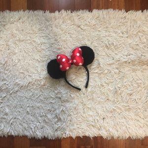 DISNEY: Classic Minnie Mouse headband